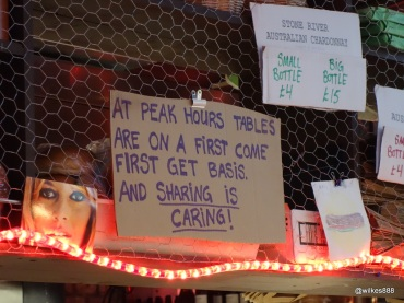 Tommi's Burger Joint - Sharing is caring!