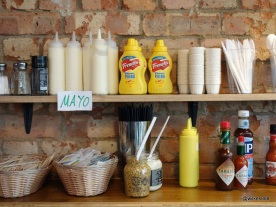 Tommi's Burger Joint - Condiment rack