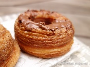 Aubaine Cronut - Lots of pastry layers