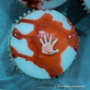 """""""Bloody Hand"""" Cupcakes"""
